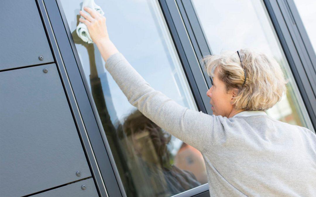 Kunsten at pudse vinduerne helt rene