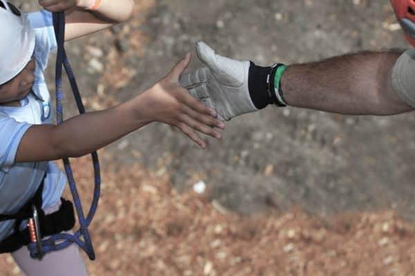 Giv en hjælpende hånd til gode formål - Rationel